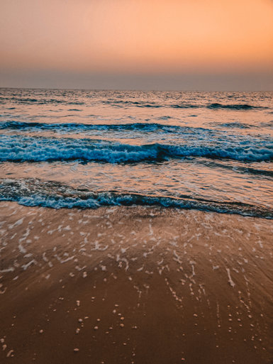 waves of colva beach -Goa