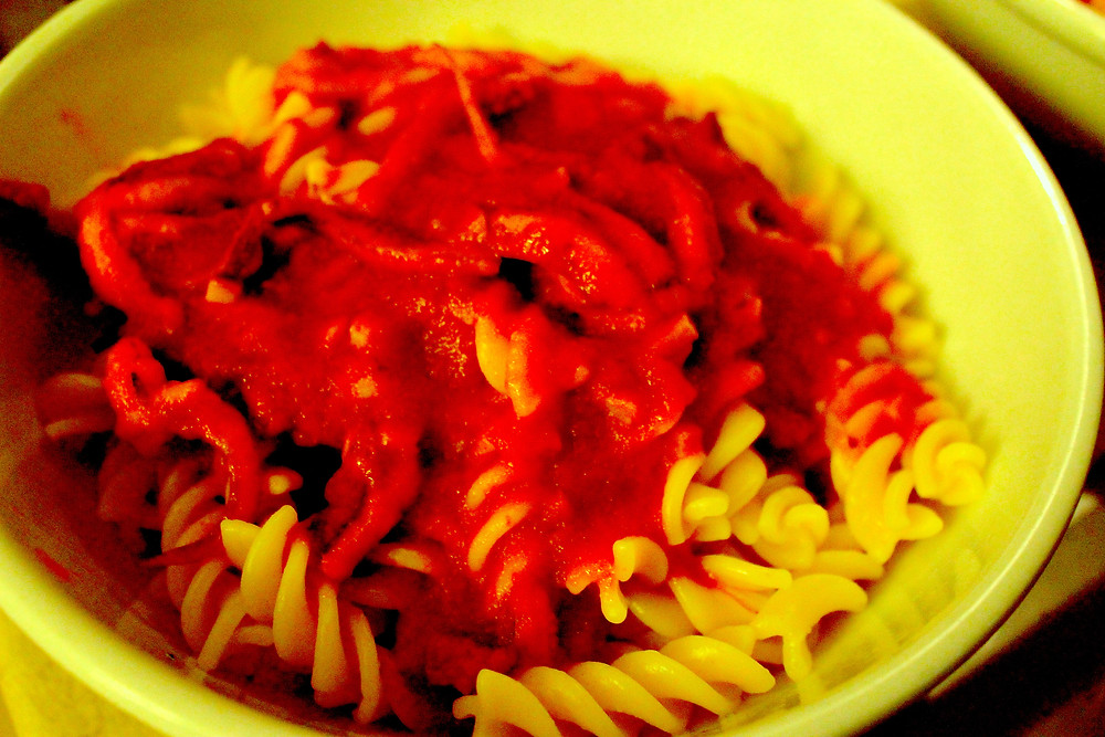 springy pasta with tomato sauce