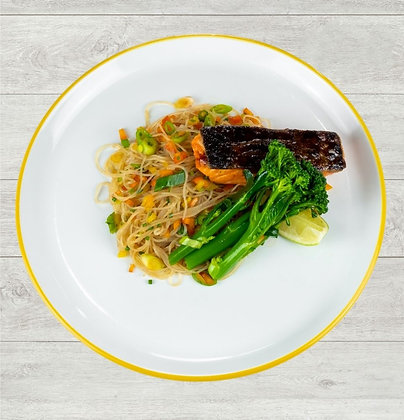 Teriyaki Salmon with Noodles & Tenderstem Broccoli with Chilli Flakes