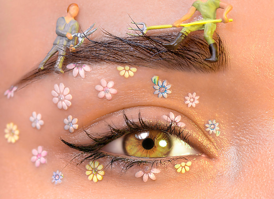 artistic-eye-makeup-3601536.jpg