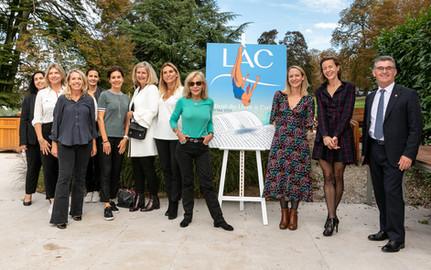 Le comité organisateur du Festival du LÀC, les autorités de la Commune de Collonge-Bellerive, les lauréates et Mélanie Chappuis, co-présidente de la 1ère édition du Festival du LÀC
