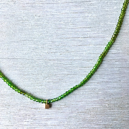 chrome diopside with gold square pendant crochet
