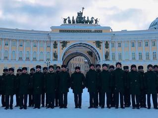 Парад в честь дня Ленинградской победы