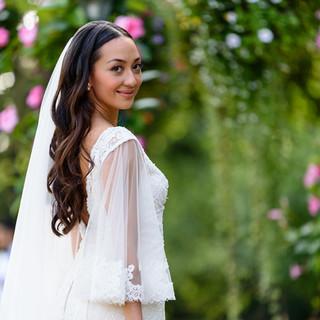 THEELEGANT BRIDE