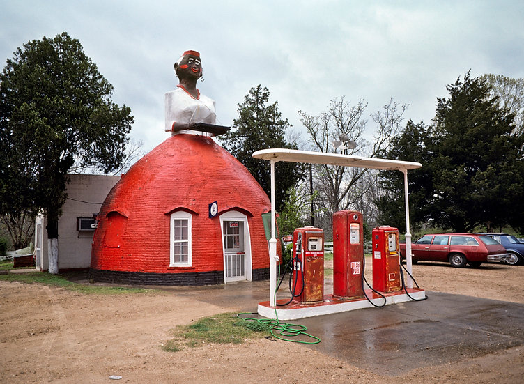 """MAMMY'S CUPBOARD"" NATCHEZ, MISSISSIPPI 1983"