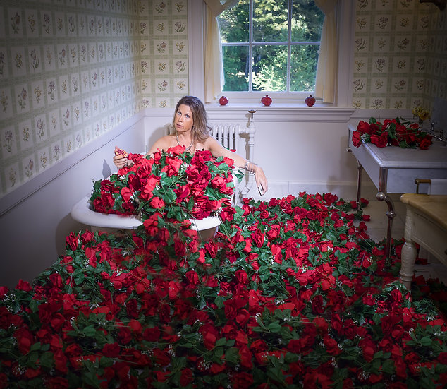 THE MOUNT LEXIE IN ROSES