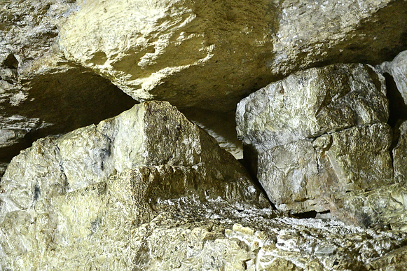 4.9.2 Holy Rock in cave 1044 [6x4].png