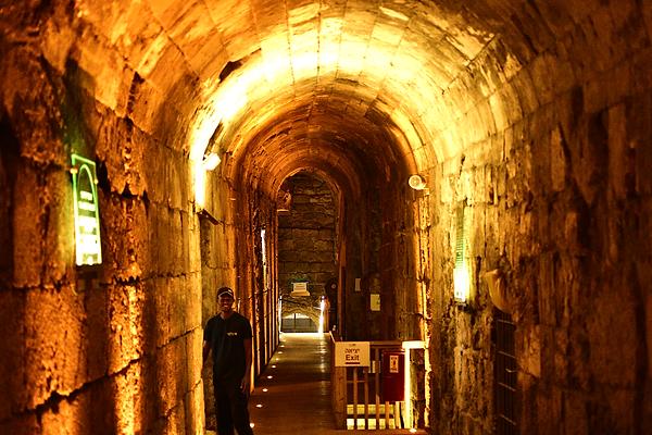 9.6 W W Tunnels 0739 [6x4].png