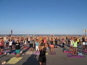 Pilates in spiaggia - Marina Romea.jpg