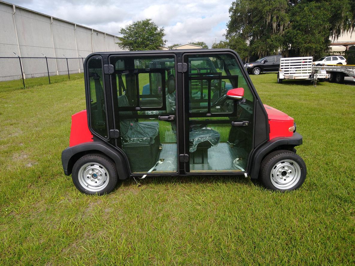 CV-4XL golf cart with airr cond.jpg