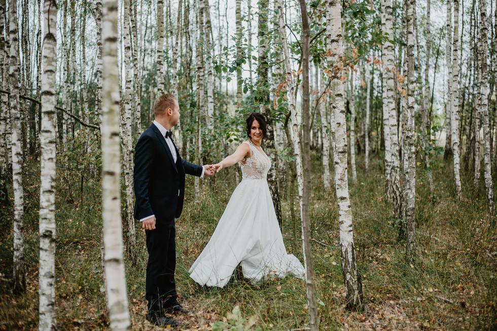 Karolina i Przemysław | Plener poślubny z wiatrem i deszczem
