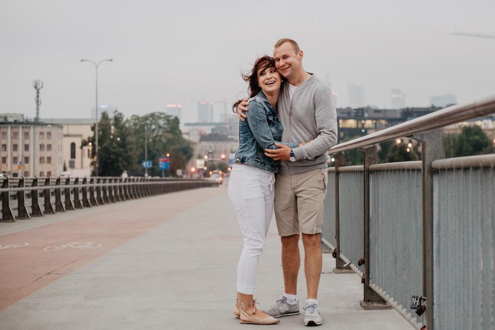 Karolina + Przemek | Sesja narzeczeńska we mgle poranka