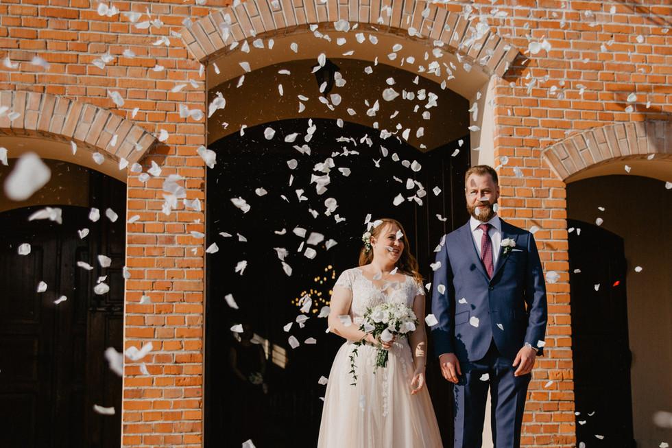 Karolina + Łukasz | Rustykalne wesele w Oberży Pod Złotym Prosiakiem