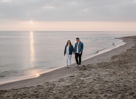 Marta i Karol   Sesja narzeczeńska o wschodzie słońca Stegna