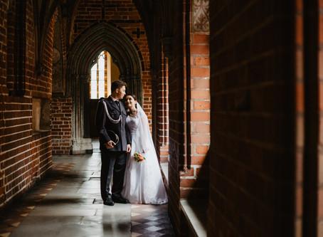 Karina i Wojtek | Sesja poślubna w Malborku