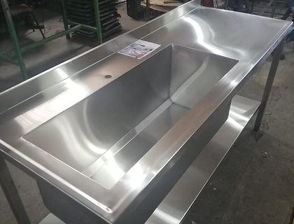 Mueble acero inoxidable mesa sin puertas con estante inferior bacha industrial 1 metro para granjas carnicerías