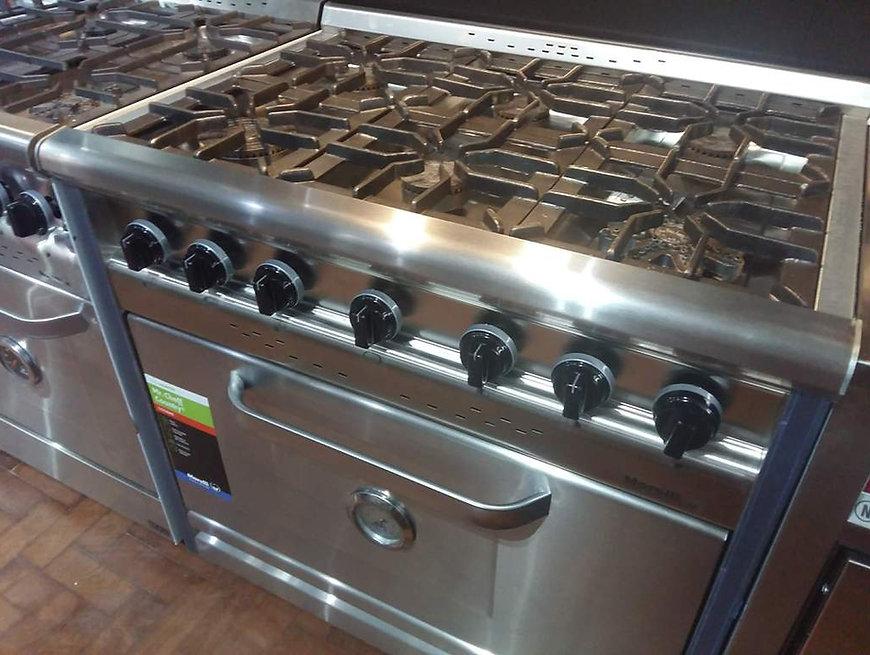 morelli-country-900-acero-reloj-cocina-industrial moderna hornalla estrella