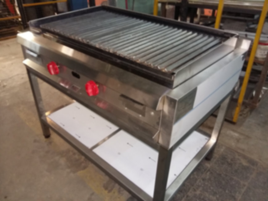 Anafe industrial parilla a gas rayada hierro acero inoxidable con patas base de acero inoxidable estante inferior a media