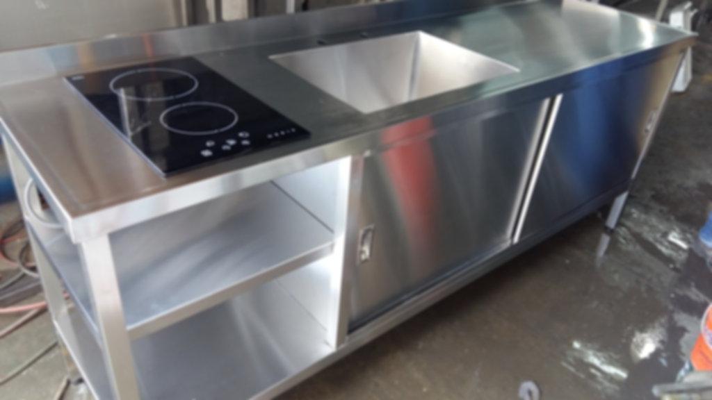 Mueble de acero inoxidable para laboratorios cerrado puerta bacha y anafe