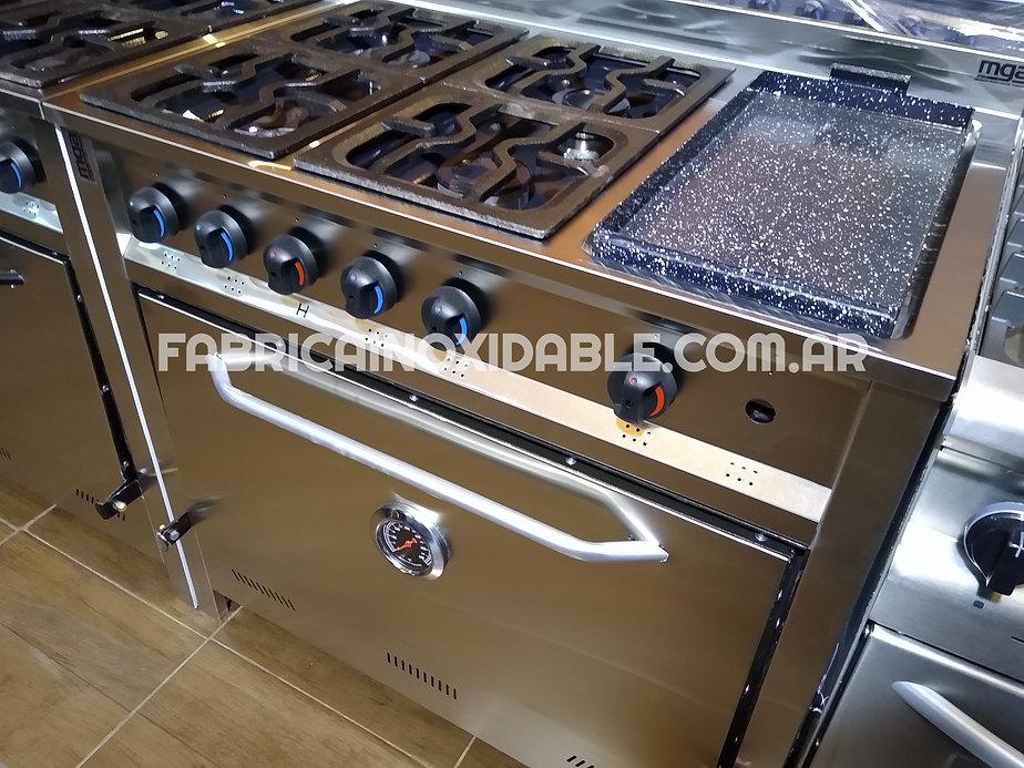 Cocina industrial acero inoxidable con plancha para uso familiar moderna