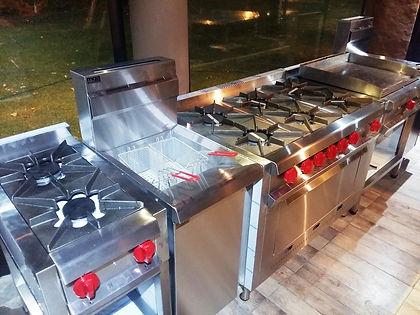 Anafes Cocinas industriales modernas linea pesada comercial MGA