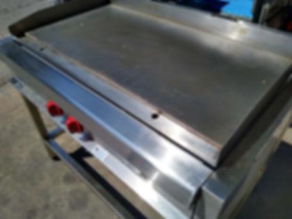 fabrica-equipamiento-gastronomico-plancha-inoxidable-offimaquinas