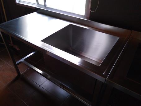 Oferta mueble de acero inoxidable 140 con bacha de 60 cm base inoxidable caño 40 * 40 fábrica