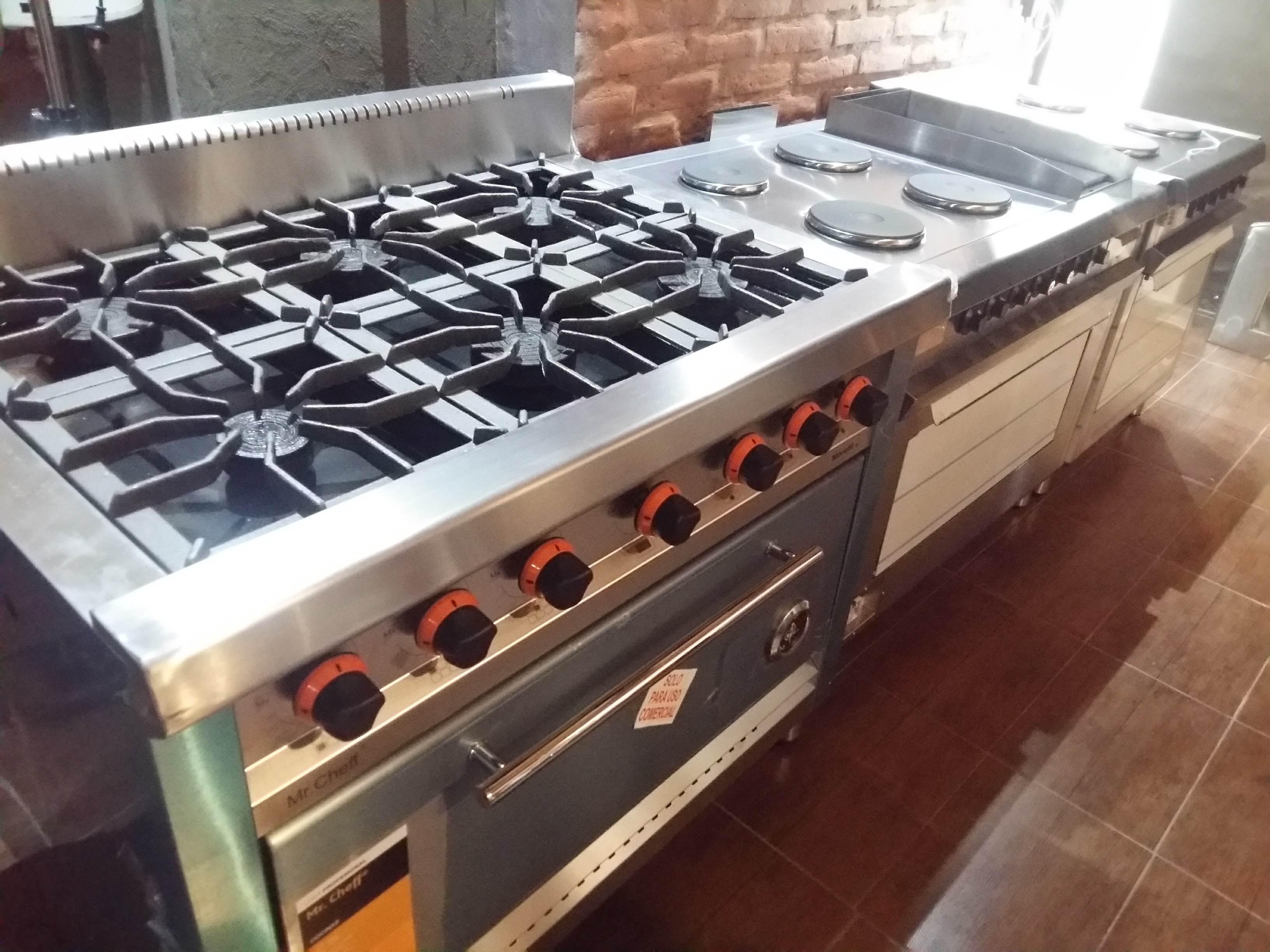 Morelli cocinas industriales MRCHEF  hornallas 1100 envíos a todo el país.