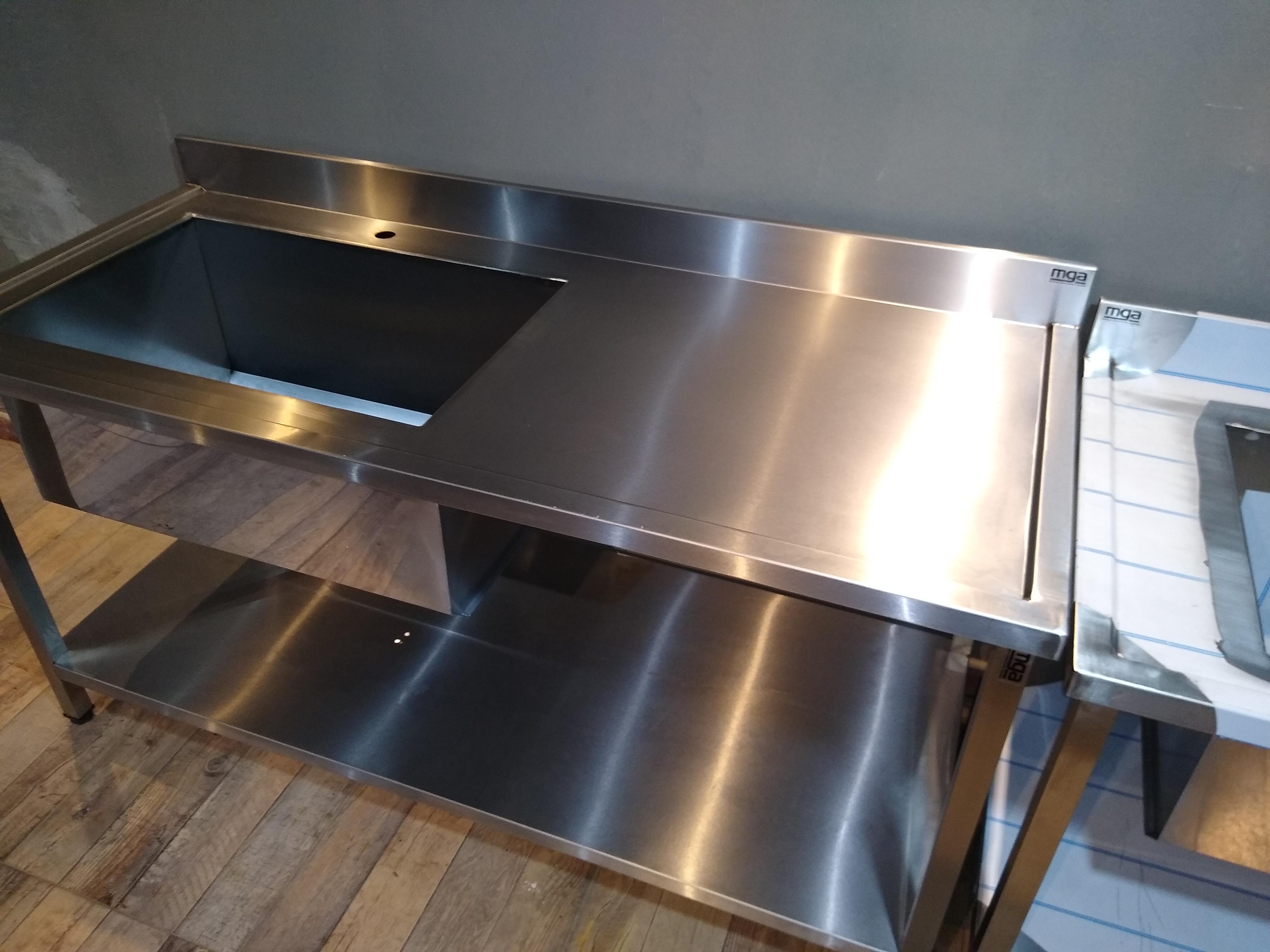 Muebles de acero inoxidable industriales hoteleria gastronomía empresas laboratorios