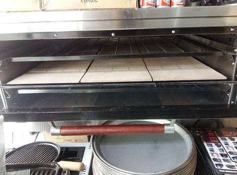Hornos industriales pizzeros grandes alta producción 1 o 2 bocas con válvula automática mantiene temperatura 300 grados