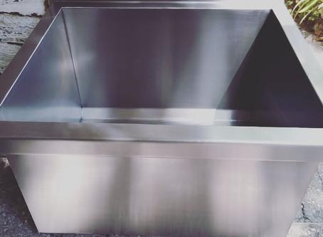 Bachas industriales de acero inoxidable reforzado con ménsula para amurar