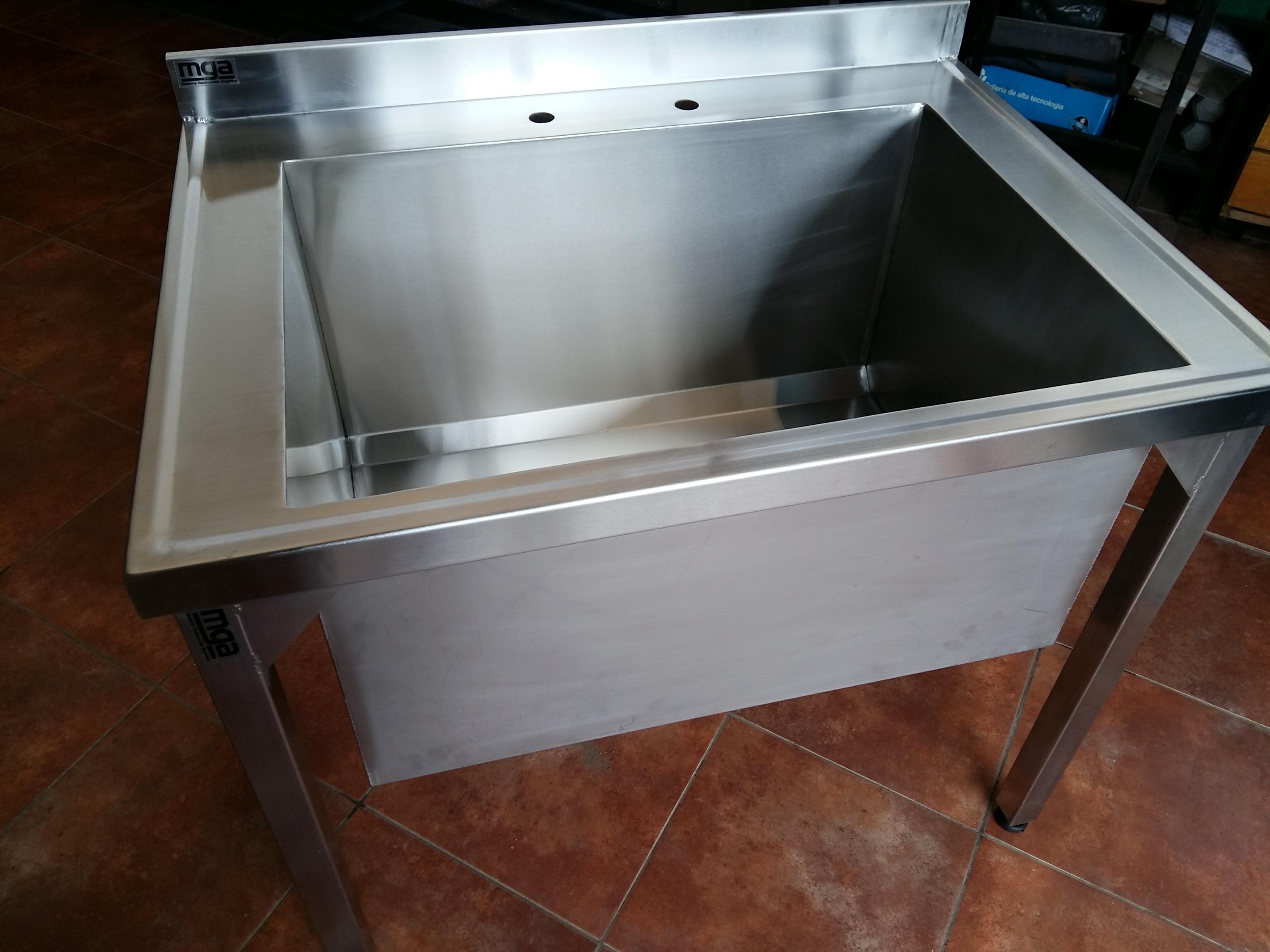 Bacha acero inoxidable con patas industrial con agujeros para grifería sin estante - www.fabricainoxidable.com.ar