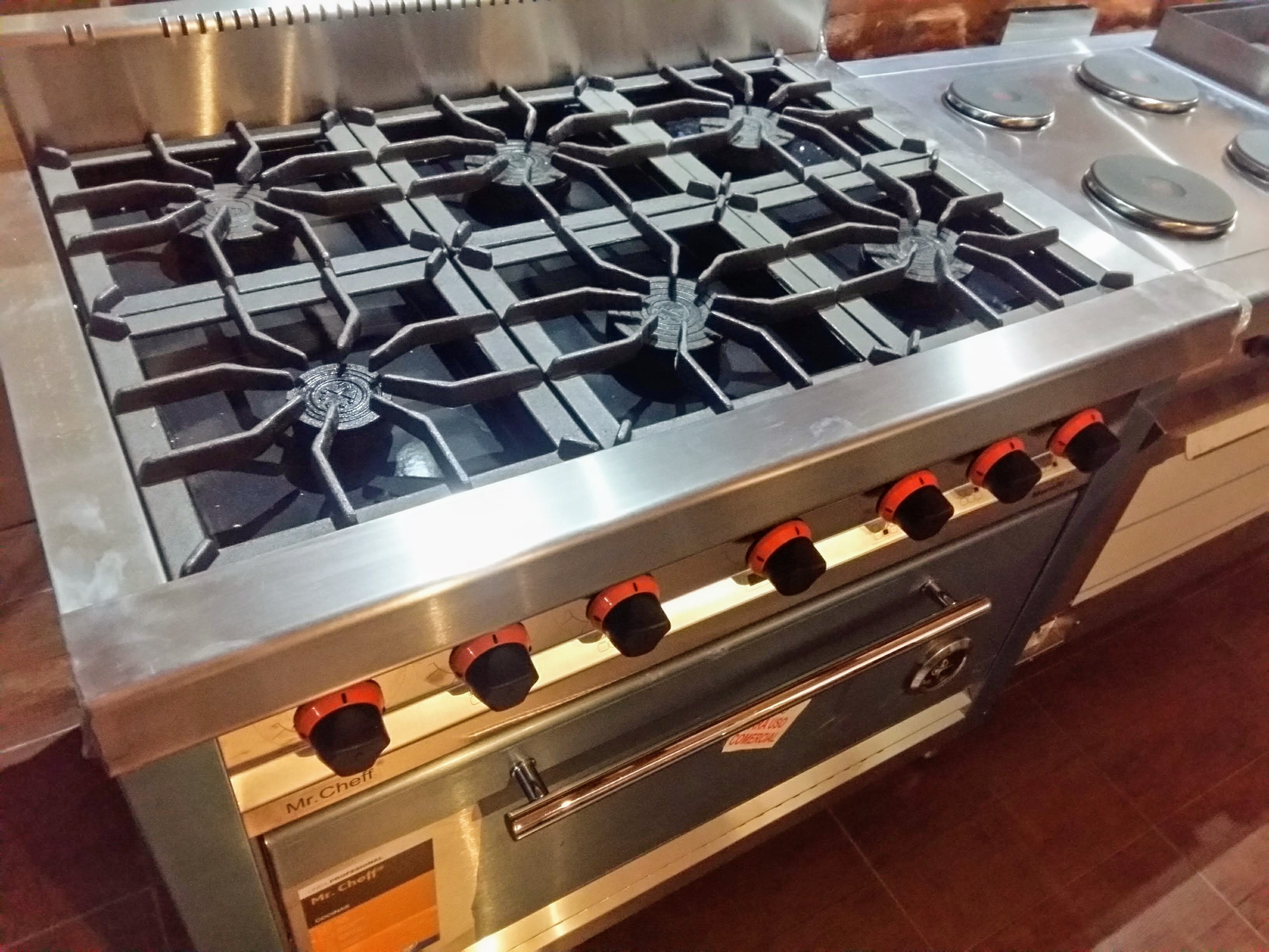 Cocinas Morelli industriales para uso comercial o familiar Ituzaingó Showroom