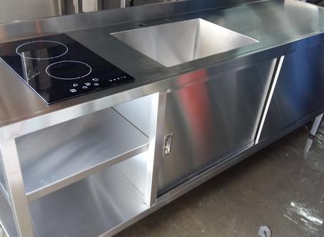 Muebles de acero inoxidable cerrados para empresas gastronomía laboratorios y hogares
