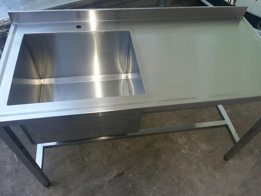 Mesada de acero inoxidable para trabajar 1400x660x900mm aisi430 1.5mm Sin estante económica puesto de trabajo gastronomía equipamiento gastronómico.