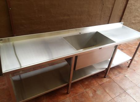 Oferta mueble de acero inoxidable grande 2.9 metros con bacha de 80 cm