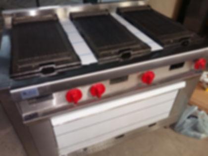 Anafe cocina industrial gastronómica planchas fundición de hierro grill a gas trabajos a medida - Porta grasa acero inoxidable