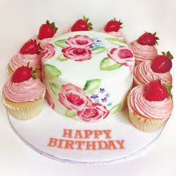 Birthday Cake w/ Cupcakes
