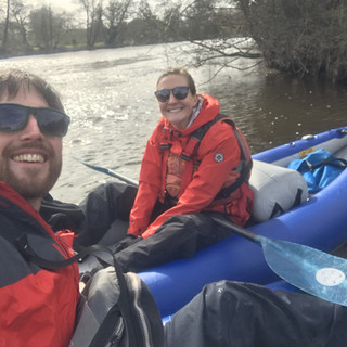 date-idea-dee-river-kayaking