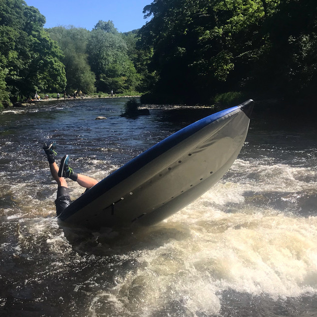 Kayaker-Overboard-llangollen.jpg