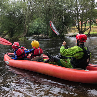 chilren-family-dee-river-kayaking.jpeg