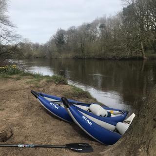 picnic-dee-river-kayaking.HEIC