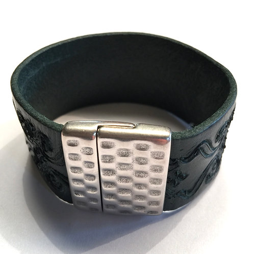 30mm Engraved Deep Green Cuff  with Hammered Clasp