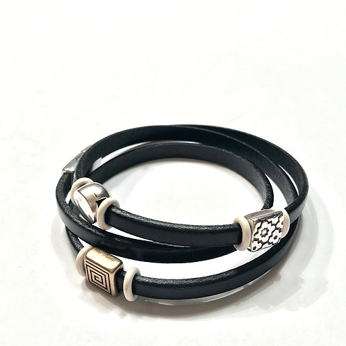 Black Triple Tier with Spacers and White O Rings