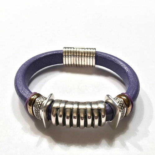 Lilac Purple REgaliz with Silver Zebra Center Bar