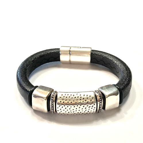 Regaliz Black with Dotted Silver bar and Spacers