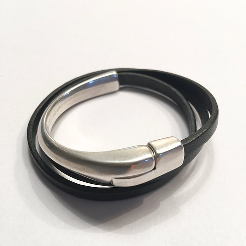 Black Triple Wrap with Silver Half Magnetic Bar