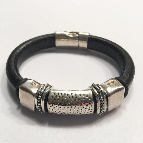 Regaliz Black with Silver Bar & Spacers