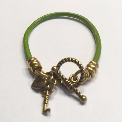 3mm Pistachio Toggle with Charms