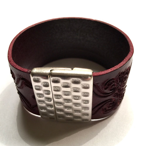 30mm Bordeaux Engraved Cuff with Hammered Clasp